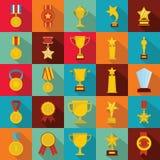 Insieme dell'icona del premio della medaglia, stile piano immagini stock libere da diritti