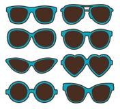 Insieme dell'illustrazione di vettore degli occhiali a forma di differenti royalty illustrazione gratis