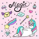 Insieme dell'illustrazione disegnata a mano di un unicorno magico, della bacchetta, degli cuore-occhiali da sole, del diamante e  Immagine Stock