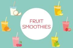 Insieme della bevanda naturale sana del cocktail in vetri Raccolta organica fresca del frullato di estate Fotografia Stock