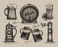 Insieme della birra Elementi di schizzo per il festival più oktoberfest Fotografie Stock