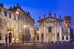Insieme della chiesa del quadrato di Mantova Fotografie Stock