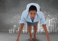 Insieme della donna di affari da funzionare e preparare con i disegni della città Immagine Stock