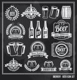 Insieme della lavagna dell'icona della birra Fotografie Stock