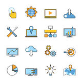 Insieme della linea rispondente icone di sviluppo di web piano Fotografie Stock