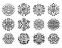 Insieme della mandala del fiore Elementi decorativi dell'annata illustrazione di stock