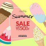 Insieme della raccolta del gelato con estate del testo ciao su pastello Fotografie Stock