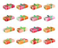 Insieme della scatola rossa con un regalo per il Natale o la festa di anothrer Fotografia Stock