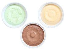 Insieme della tazza del gelato di vista superiore isolata su fondo bianco Immagine Stock Libera da Diritti