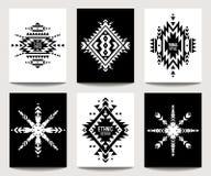 Insieme delle alette di filatoio in bianco e nero etniche geometriche Illustrazione Vettoriale