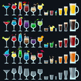 Insieme delle bevande variopinte dell'alcool Immagini Stock