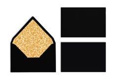 Insieme delle buste nere con struttura dorata dentro, modello Immagine Stock Libera da Diritti