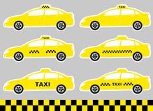 Insieme delle carrozze con il segno del taxi Immagine Stock