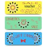 Insieme delle carte di regalo, certificati, buoni per la vendita dei cosmetici Immagini Stock