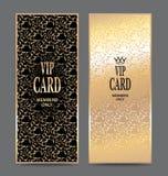Insieme delle carte verticali dell'oro con progettazione floreale Fotografie Stock