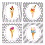 Insieme delle cartoline con il gelato in coni Immagini Stock