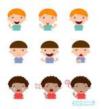 Insieme delle espressioni del ragazzo su fondo bianco, insieme di espressione dei bambini Fotografia Stock Libera da Diritti