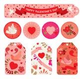 Insieme delle etichette a celebrare giorno del ` s del biglietto di S. Valentino in tonalità rosse Fotografia Stock Libera da Diritti