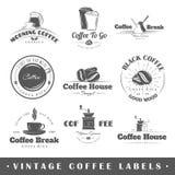 Insieme delle etichette d'annata del caffè royalty illustrazione gratis