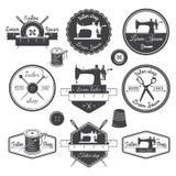 Insieme delle etichette d'annata del sarto, degli emblemi e degli elementi progettati Tai illustrazione di stock