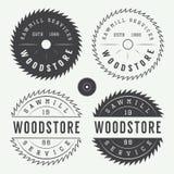 Insieme delle etichette d'annata delle segherie, degli emblemi, del logo, dei distintivi e degli elementi di progettazione Fotografia Stock Libera da Diritti