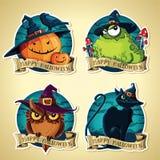 Insieme delle etichette d'annata di vettore di Halloween con le zucche, il rospo, il gufo ed il gatto nero Fotografia Stock
