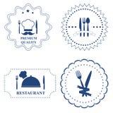Insieme delle etichette del ristorante e della coltelleria della cucina su backgr bianco Fotografie Stock Libere da Diritti