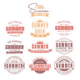 Insieme delle etichette dell'annata riferite vendite di estate Immagine Stock Libera da Diritti
