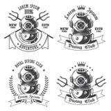 Insieme delle etichette di immersione subacquea, emblemi illustrazione di stock