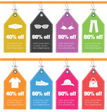 Insieme delle etichette di valutazione con le icone dei vestiti Vendita fuori dalle etichette piane di progettazione Immagine Stock Libera da Diritti