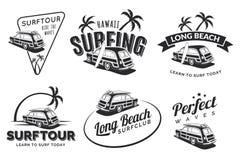 Insieme delle etichette praticanti il surfing d'annata, dei distintivi e degli emblemi dell'automobile Vecchio schoo Immagine Stock Libera da Diritti