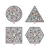 Insieme delle forme differenti del labirinto per il gioco con con l'itinerario corretto dell'indicatore illustrazione vettoriale