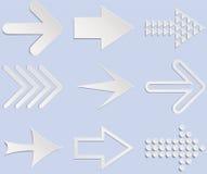 Insieme delle frecce bianche e grige Illustrazione isolata sulla parte posteriore del blu Fotografia Stock Libera da Diritti