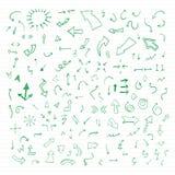 Insieme delle frecce disegnate a mano di vettore verde. Fotografia Stock