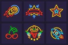 Insieme delle icone al neon che bruciano la palla di pallacanestro Fotografia Stock