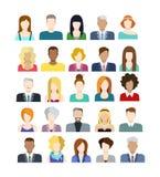 Insieme delle icone della gente nello stile piano con i fronti Immagine Stock Libera da Diritti