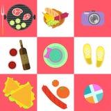 Insieme delle icone di picnic e della famiglia all'aperto del barbecue Immagini Stock Libere da Diritti