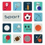 Insieme delle icone di sport nella progettazione piana Immagini Stock