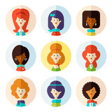 Insieme delle icone femminili piane dell'avatar per i media sociali Immagini Stock Libere da Diritti