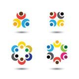 Insieme delle icone variopinte della gente nel cerchio - vector la scuola di concetto, Fotografia Stock Libera da Diritti