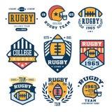 Insieme delle illustrazioni di vettore dell'emblema di rugby in piano illustrazione di stock
