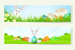 Insieme delle insegne di Pasqua con le uova decorate Immagini Stock
