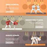 Insieme delle insegne orizzontali di concetto di arti marziali, stile piano di vettore illustrazione vettoriale