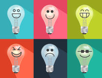 Insieme delle lampadine del fumetto e disegnate a mano, lampadina del tungsteno nell'umore o Immagini Stock Libere da Diritti