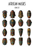 Insieme delle maschere tribali etniche africane Immagini Stock