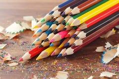 Insieme delle matite colorate, fondo molle del fuoco Immagine Stock