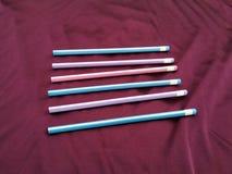 Insieme delle matite colorate su fondo bianco fotografia stock
