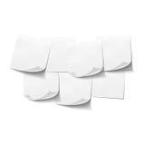 Insieme delle note appiccicose vuote bianche su bianco Immagine Stock Libera da Diritti