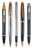Insieme delle penne con i percorsi di ritaglio. Immagini Stock