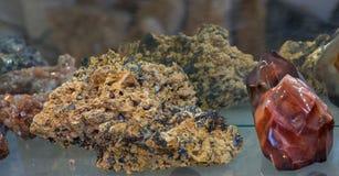 Insieme delle pietre preziose minerali naturali Immagini Stock Libere da Diritti